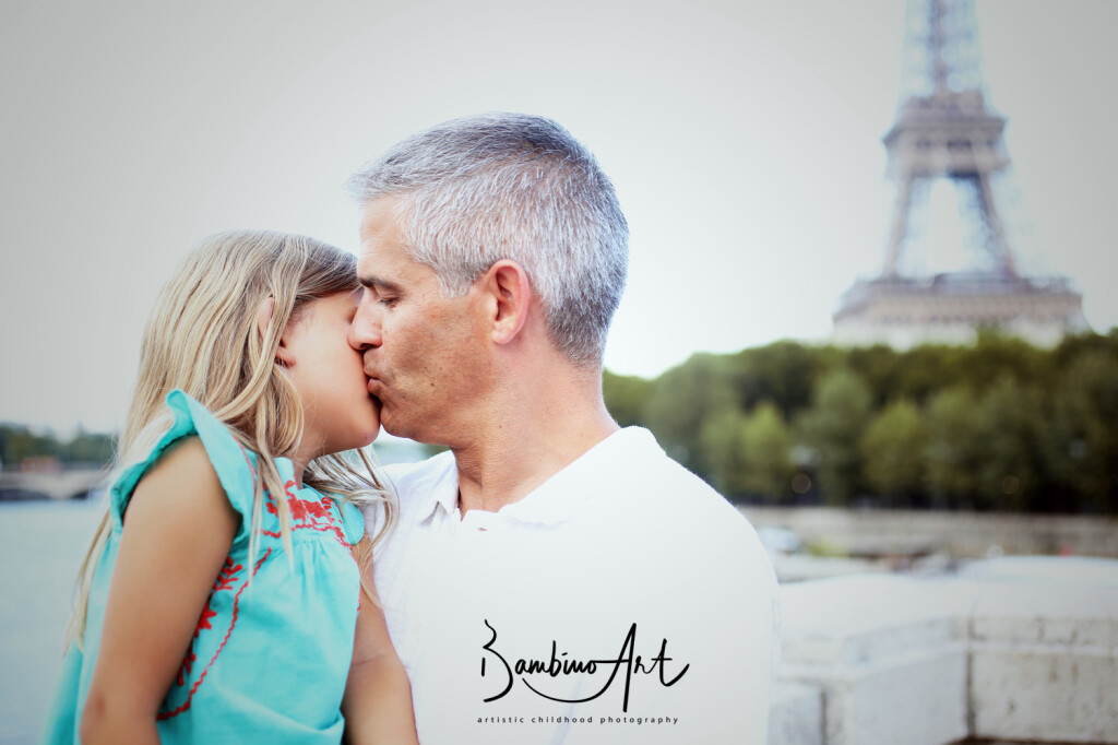 family & childhood photographer , Paris