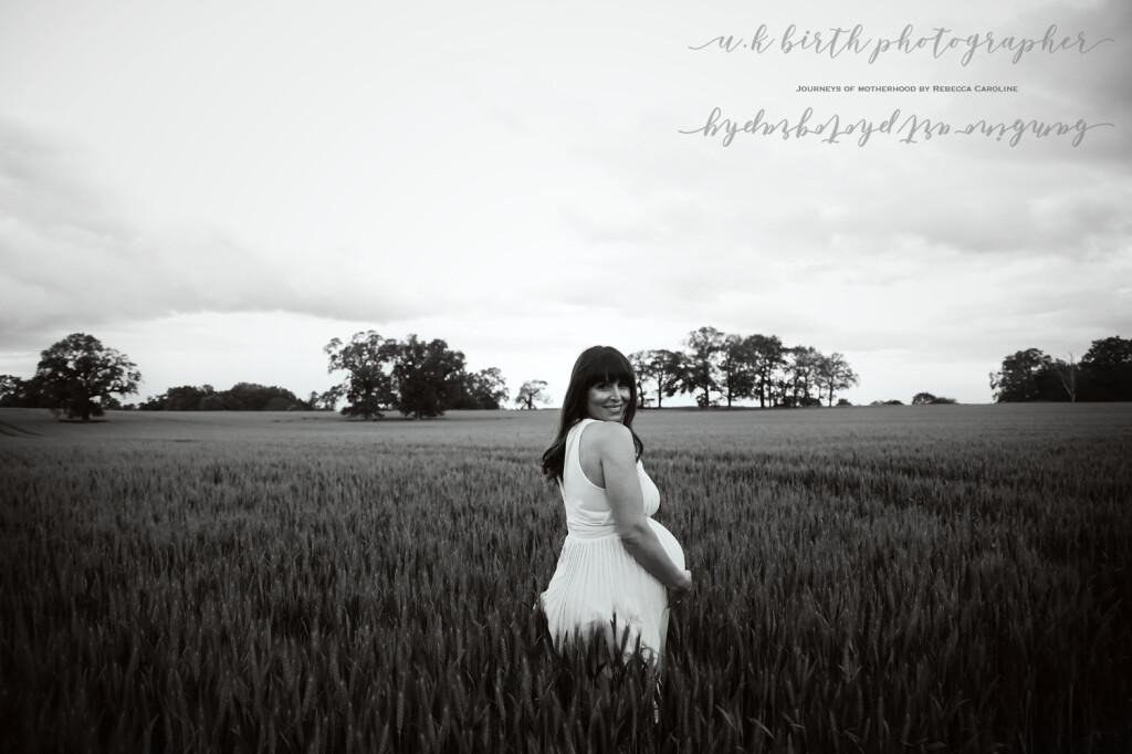 Maternity photographer : Cornwall